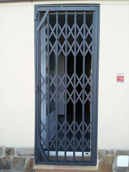 Aluminios Garcilaso   Productos - Rejas de ballesta de acero   Carpintería de aluminio en Barcelona