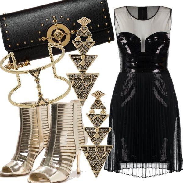 Un outfit elegante adatto a serate importanti, feste o serate in discoteca. Il vestito da guerriera mostra sapientemente con le giuste trasparenze tutta la vostra sensualità, ma con discrezione e buon gusto. Sandali gladiatore e gioielli gold per illuminare la notte.