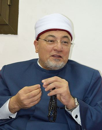 インタビューに応じるイスラム教スンニ派の最高権威機関アズハルの法学者ハレド・ゲンディ師=19日、エジプト・ギザ ▼23Feb2015時事通信|国際社会が結束して圧力を=「イスラム国」はイスラムにあらず-スンニ派権威 http://www.jiji.com/jc/zc?k=201502/2015022300560