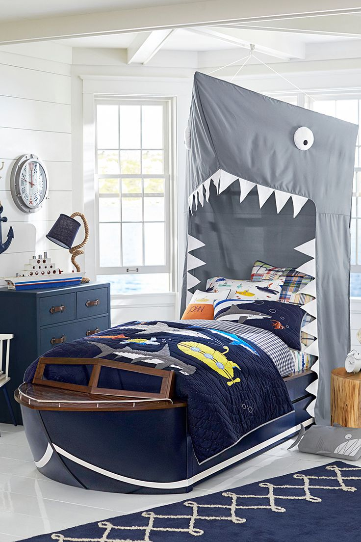 Pottery barn kids camp bed - Kids Are Happy To Speed Off To Bed When They Get To Sleep In This Sleek Boat Inspired By Vintage Cabin Cruiser Design Fun Details Include A Railed Bow