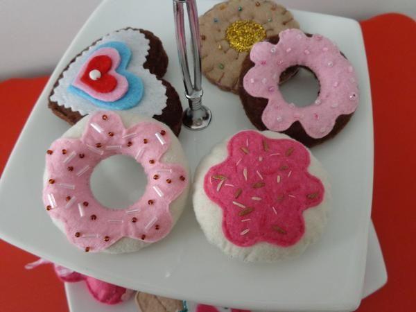 Keçe Kurabiyeler ve Donutlar
