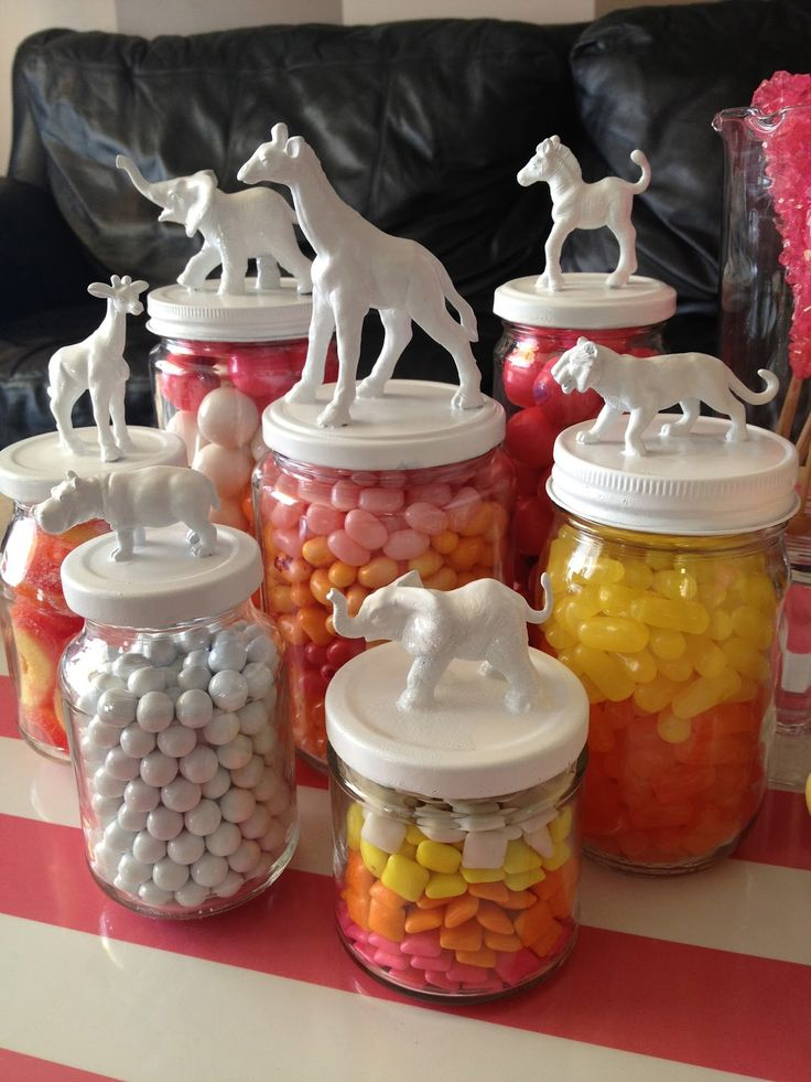 Candy jars for baby girl's first birthday party -  with pastelS instead of bright colors DIY: Toy Animal Jars