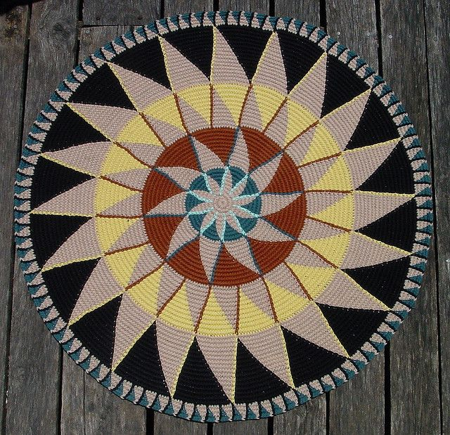 Avatari - tapestry crochet rug-this looks difficult to do but interesting