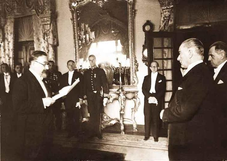 Mustafa Kemal Atatürk'ün az bilinen fotoğraflarından... #TekAdamMustafaKemalATATÜRK pic.twitter.com/KAOfLGCKjB
