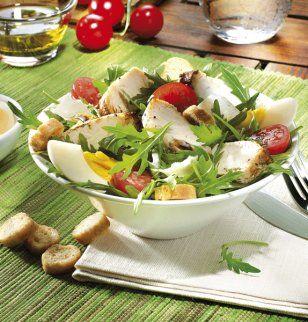 Salade gauloise de roquette et filet de poulet / Gallic rocket salad and chicken fillet
