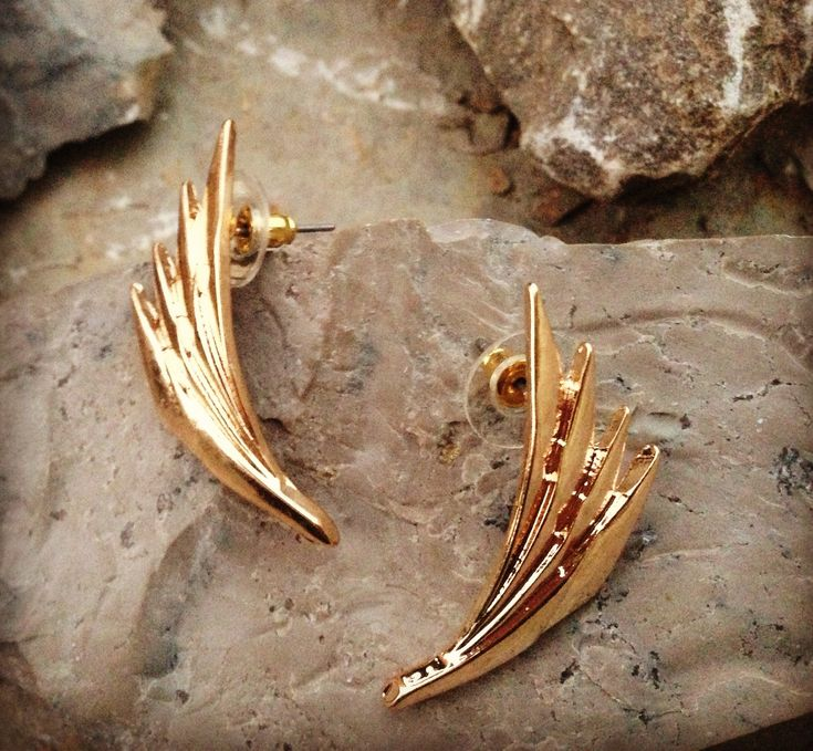 Beautiful gold earrings to add some personality to any outfit.