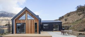 Little Black Barn House | Cedar Cladding, Black Cladding, NZ Architecture, Architecture Inspiration, First Home Plans, Eco Friendly Home Inspiration, Eco Friendly Build Ideas | Read The Full Story Here: http://buildme.co.nz/nz-homes/little-black-barn-home-queenstown/ |