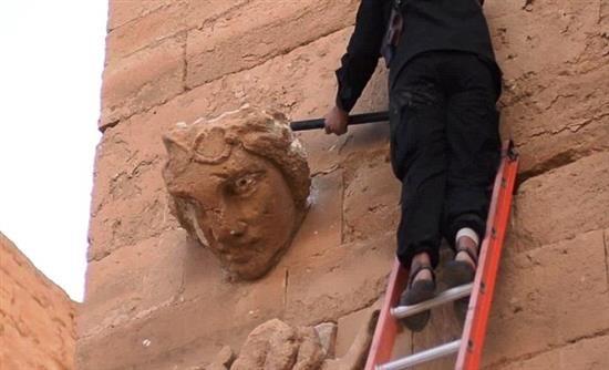 Εικόνες-σοκ από την καταστροφή της αρχαίας Χάτρα από τζιχαντιστές -