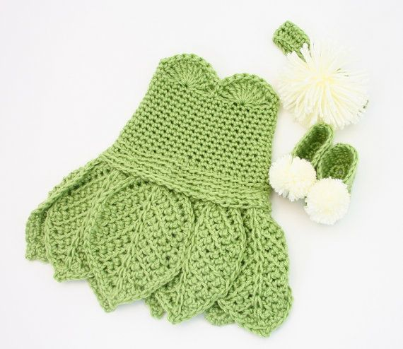 Baby Newborn Costume PATTERN, Crochet Baby Outfit PATTERN, Crochet Baby Costume, Crochet Dress Pattern, Crochet Infant Dress, Green Costume on Etsy, £2.43 love this! Add some wings and baby tinker bell for Halloween :3