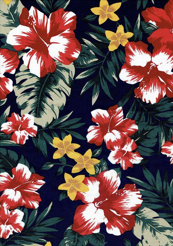 Retro Hawaiian Floral Bouquet Women/'s Tee Image by Shutterstock