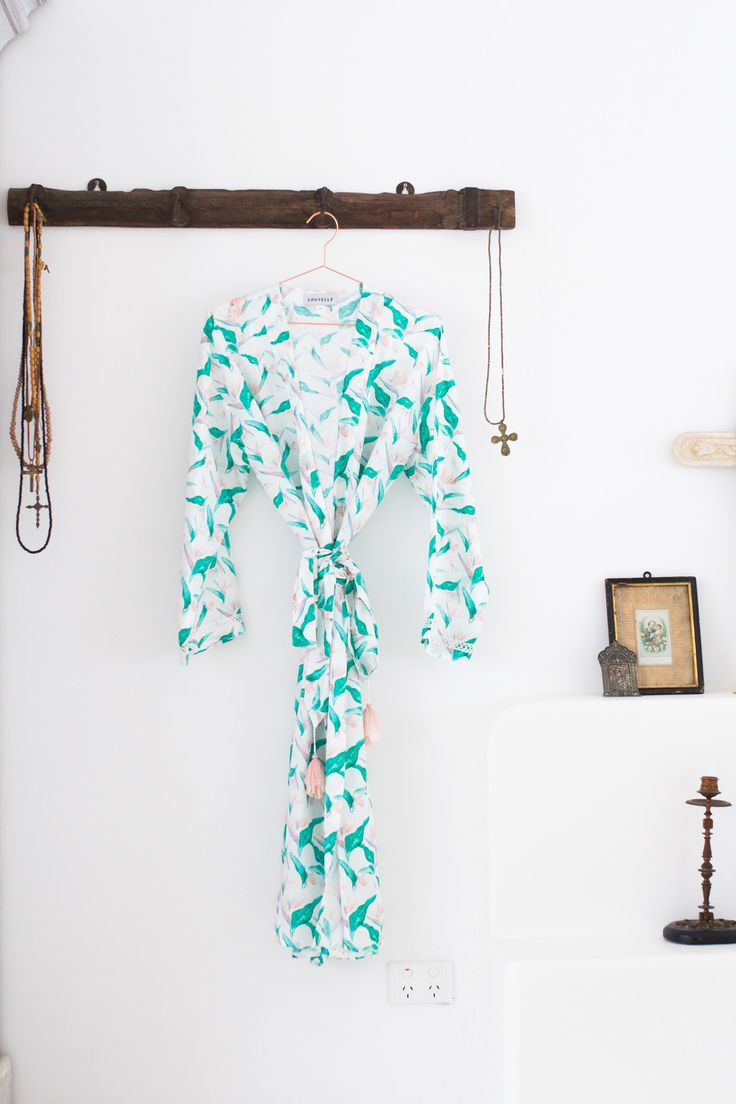 A bohemian affair. Louvelle bridal robe in bird of paradise $150