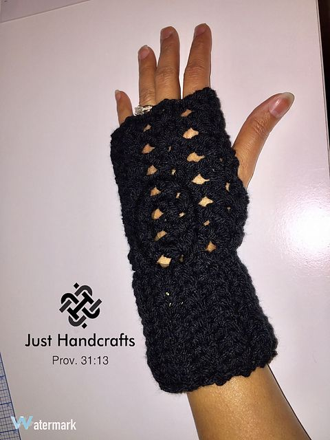 This is a quick and easy pattern. These texting gloves can be dressed up or down. You can use any worsted weight yarn. These make for a great last minute gift.
