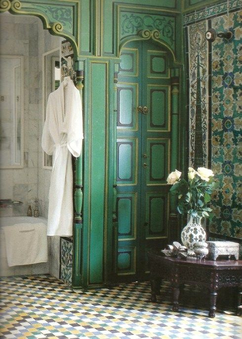 this bathroom is amazing. color combo is awesome