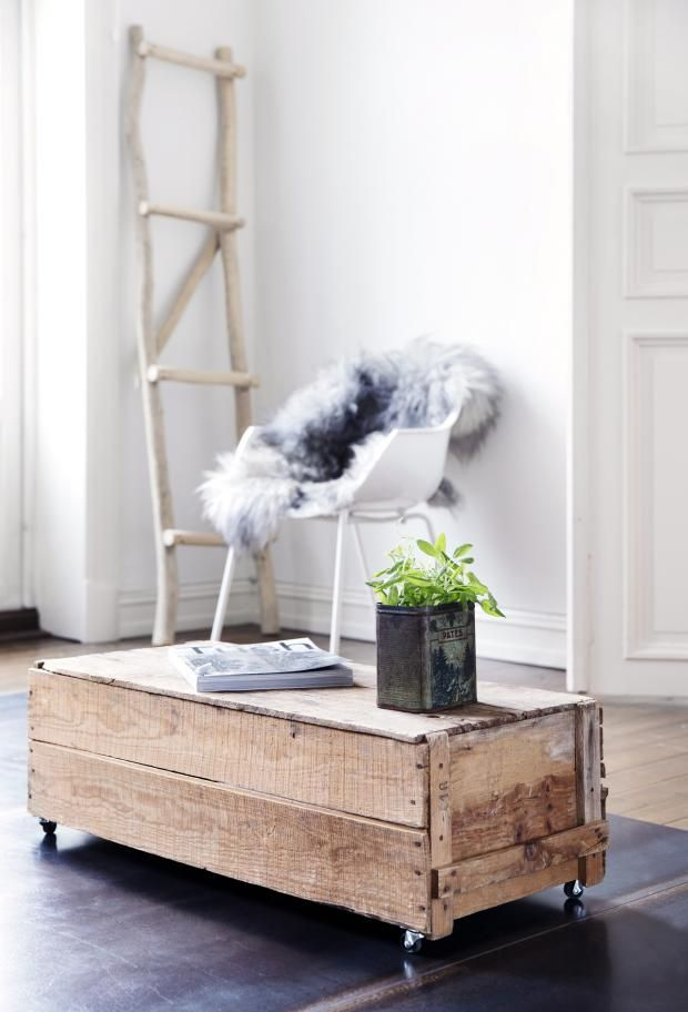 This lovely table is easily made in a few hours! kkliving.no Styling Tone Kroken Pic by Yvonne Wilhelmsen