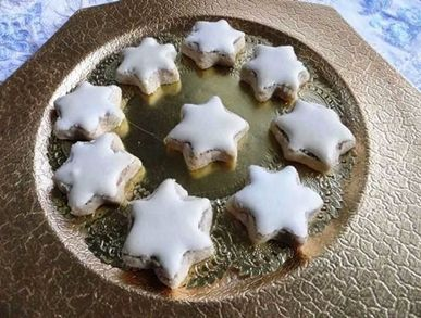 Ořechové hvězdičky s polevou