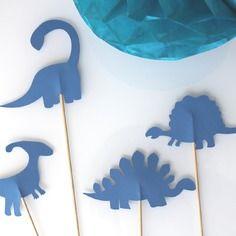 4 brochettes dinosaures bleus pour fête d'anniversaire- photobooth