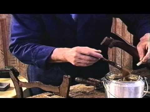 Curso Practico de restauración 6º Capitulo Encolado de un rizo de una pata tallada - YouTube