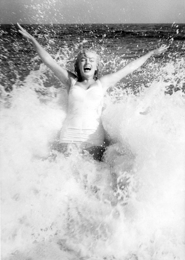 Marilyn Monroe photographed by Sam Shaw 1957