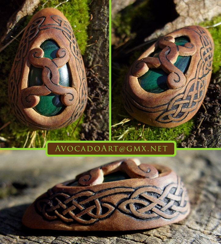 In this piece I put in the stone from the backside and over that I layed a slice of another avocado pit. It is not fixed yet, cause I still don't know how to do that. But I'll find a solu...