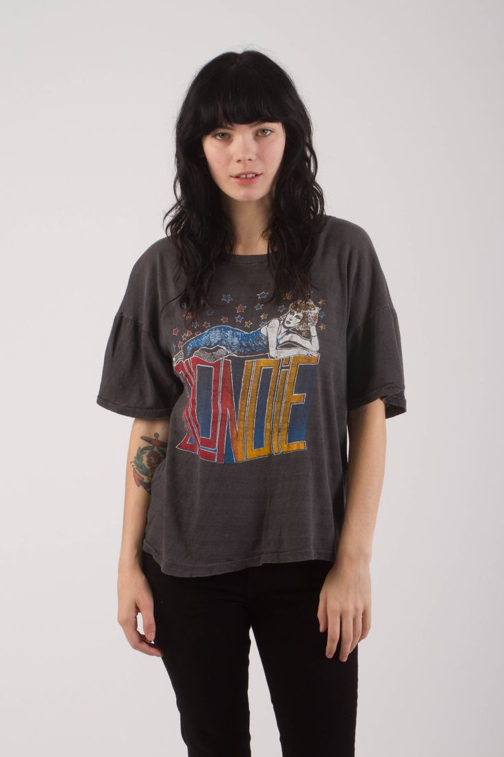 """Vintage 1970s Blondie Tour T Shirt Perfectly soft and thin. Unisex size. Measurements laid flat: 20″ Pit to pit 19″ Collar to hem in front. Model is 5' 7"""", 32B bust and a 24 waist."""