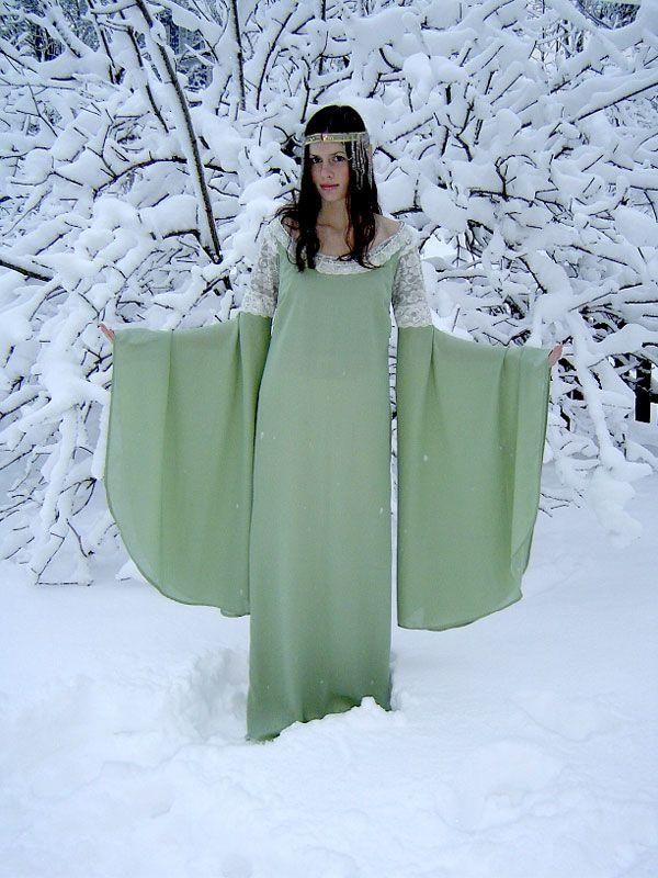 Arwen's Coronation Dress by Karolina