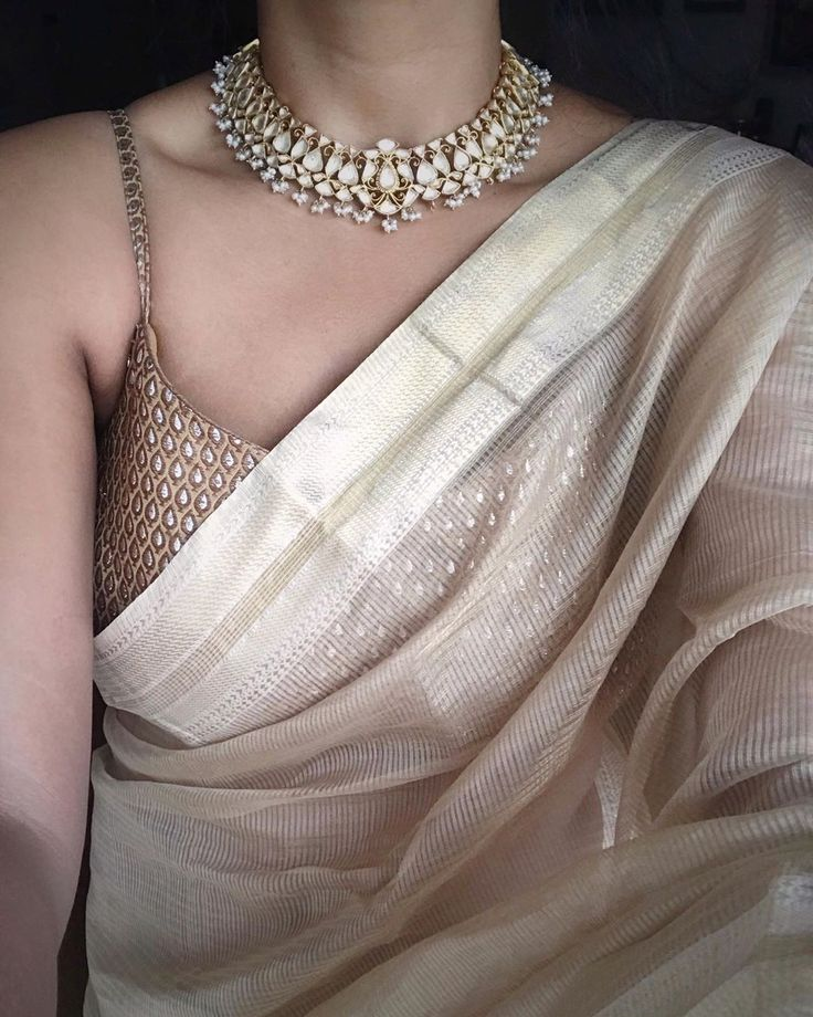 beautifull white saree with golden blouse❤️