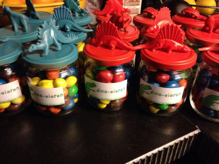 Dino eggs, maar dan in een wcrolletje