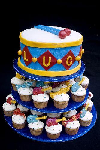 Drum cake & guitar cupcakes