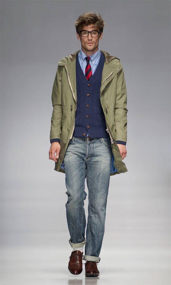 Preppy look #parka #cardigan #tie