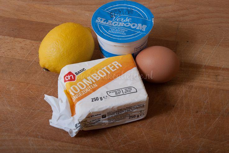Deze eenvoudig te maken citroensaus smaakt heerlijk bij tal van visgerechten zoals kabeljauw, zalm of garnalen. Ik serveer deze citroensaus tevens graag ...