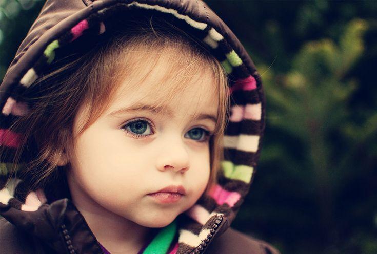 Yeni Doğmuş Mavi Gözlü Erkek Bebek - En Yeniler En İyiler