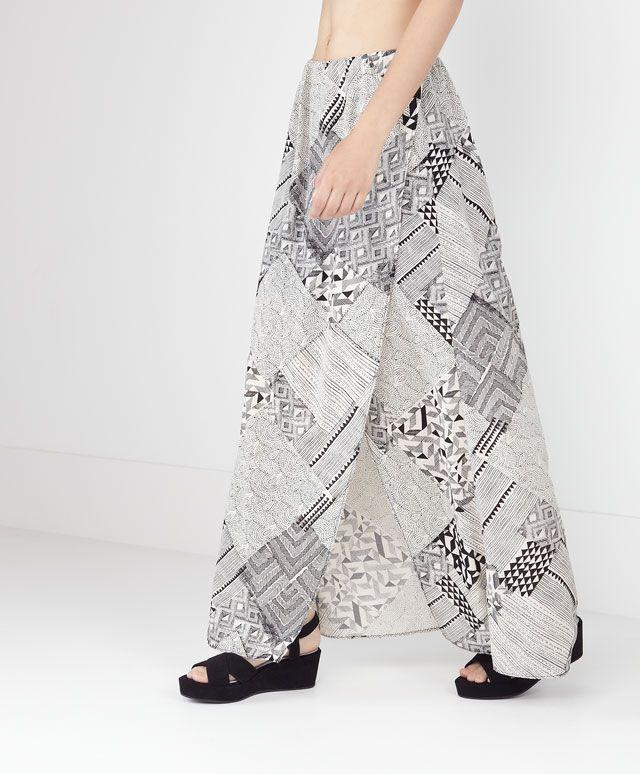 Falda larga pareo con corte delantero estampada - OYSHO