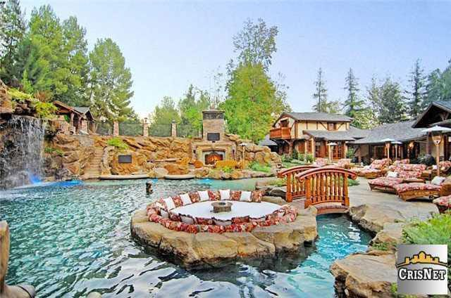 Nine Fascinating Facts About Drake's 'YOLO Estate' - The Printed Page - Curbed National