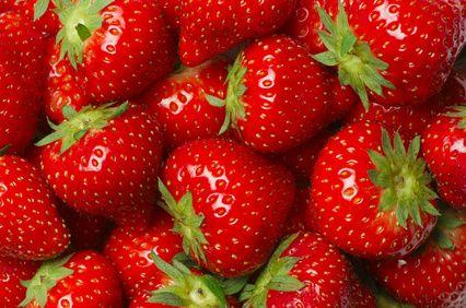 C'est le temps des fraises! Découvrez où vous pouvez pratiquer l'auto-cueillette dans les Hautes-Laurentides   It's strawberry time! Find out where you can self-pick them in the Upper-Laurentians