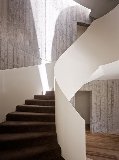 great staircase, leeton architecture, yarra house, melbourne, photo by peter bennetts.