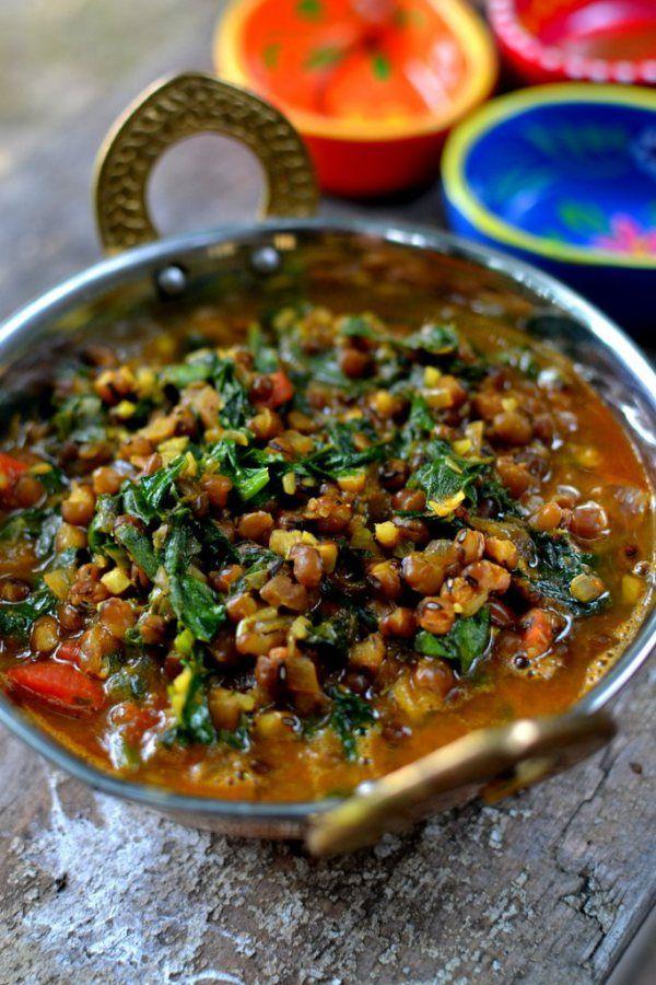 moong palak: spinach + mong beans curry | mong beans, spinach, onion, garlic, ginger, tomato, turmeric, chili powder, cumin, coriander