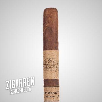 """Die längse Zigarre der Welt - The Woody by Oscar  Der Hammer, gute 53 cm lang und 39,6 mm dick, damit ist die Zigarre """"The Woody"""" der aktuelle Weltrekordhalter."""