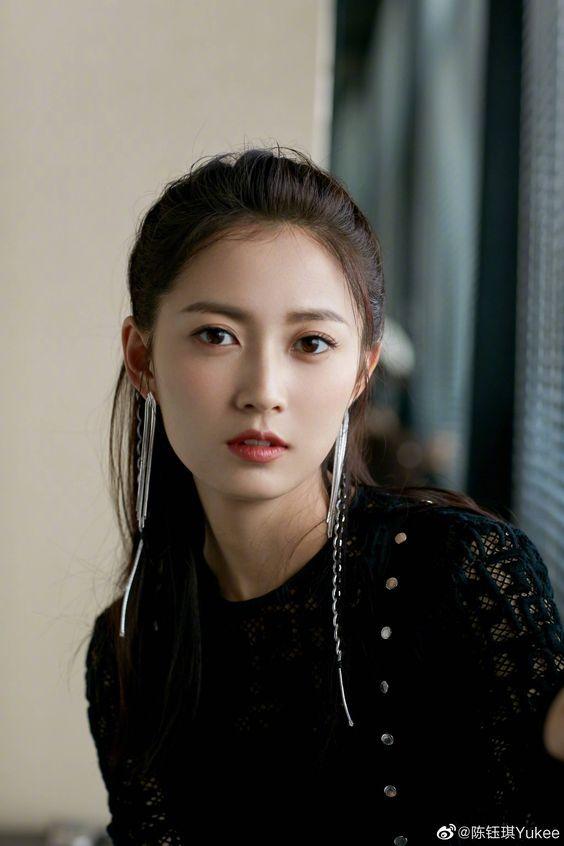 Chen Yu Chi   – ASIAN BEAUTY