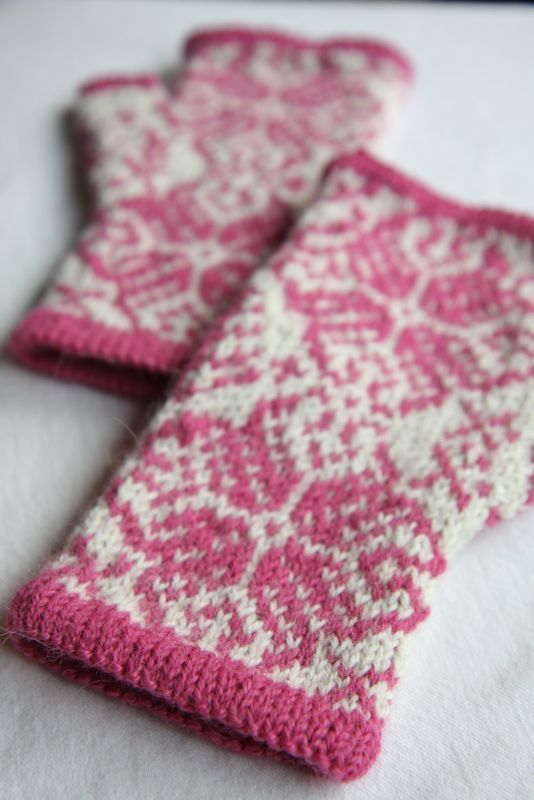 129 best images about Knitting: Fair Isle Style on Pinterest Knitting, Yarn...