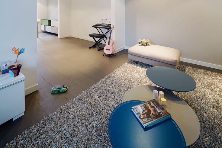 De vloeren specialist op het gebied van alle denkbare vloeren. Voor Houten, natuursteen, keramische tegels, terras hout, gietvloeren, siergrind, laminaat gaat u langs bij MoreFloors.
