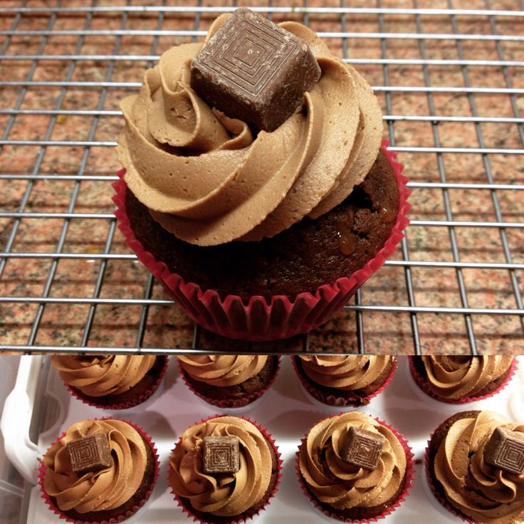 Munchie cupcakes  Biscuit Base/caramel centre/chocolate cupcake/chocolate buttercream