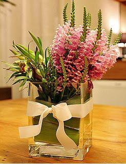 Um arranjo de flores