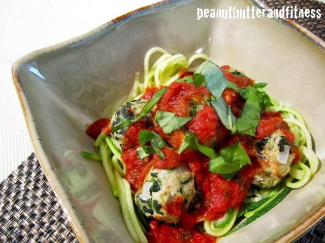 PEANUT BUTTER AND FITNESS: Turkey Spinach Meatballs with Zucchini Noodles