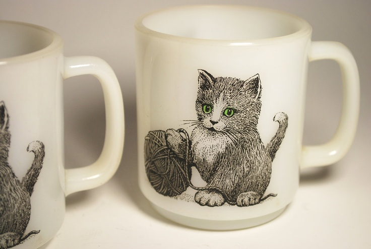 {kitten & yarn Glasbake mugs} the green eyes make it even more awesome!