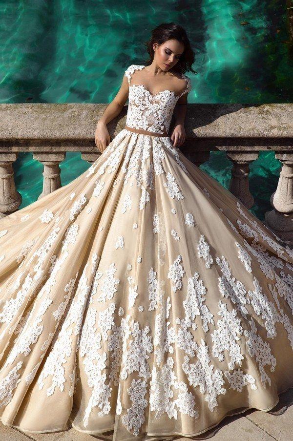 Ermesso sweetheart lace ball gown wedding dress via crystal desing - Deer Pearl Flowers / http://www.deerpearlflowers.com/wedding-dress-inspiration/ermesso-sweetheart-lace-ball-gown-wedding-dress-via-crystal-desing/