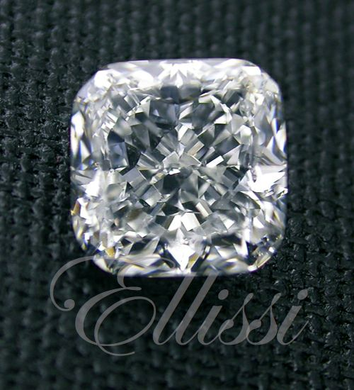 Cushion Modified Brilliant ( Square ) #diamonds #wedding #jewellery