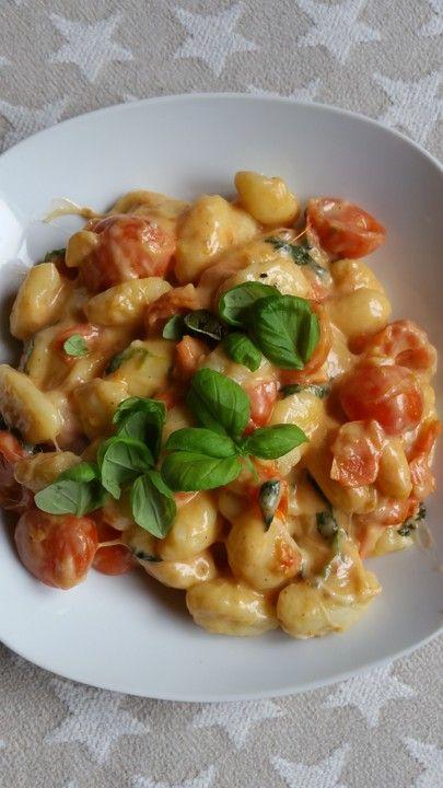 Gnocchi mit Tomaten und Mozzarella, ein gutes Rezept aus der Kategorie Gemüse. Bewertungen: 288. Durchschnitt: Ø 4,5.