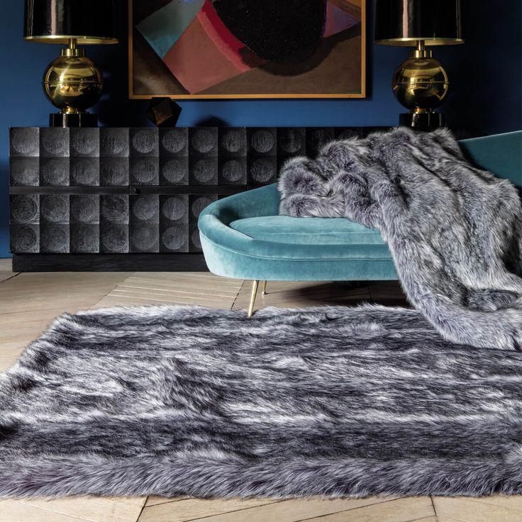 Tapis haut de gamme shaggy gris en fausse fourrure par Ligne Pure Découvrez l'aspect cocooning de ce tapis.  #tapis #faussefourrure #design #chaleur #confort #deco #décoration #tapisgris