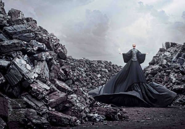 Gothic Glamazon Fashion : Zhang Jinga