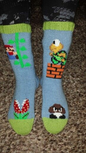 Nintendo Mario Bros socks / sukat